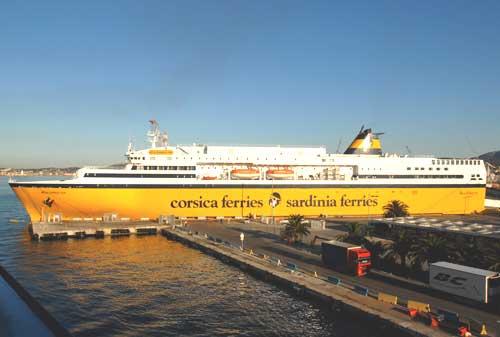 Ferries corse corsica ferries for Mega express 2 piscine